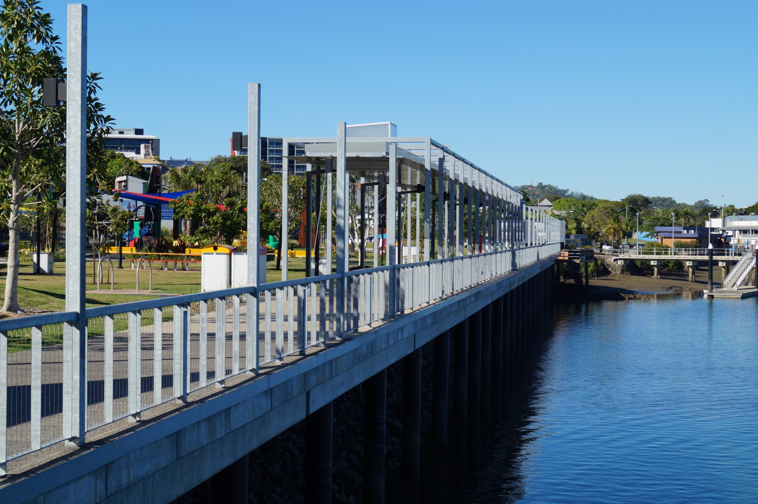 East Shores Gladstone - waterfront walk